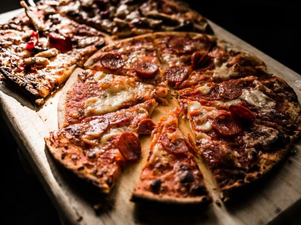 homemade keto pizza