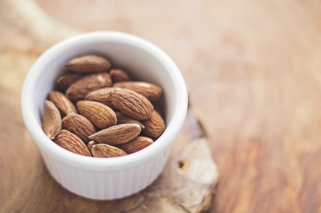 are almonds keto?